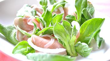 プッチーナと生ハムのサラダ